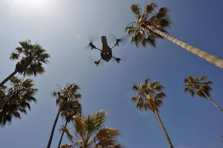 parrot_ar.drone_l.a.09