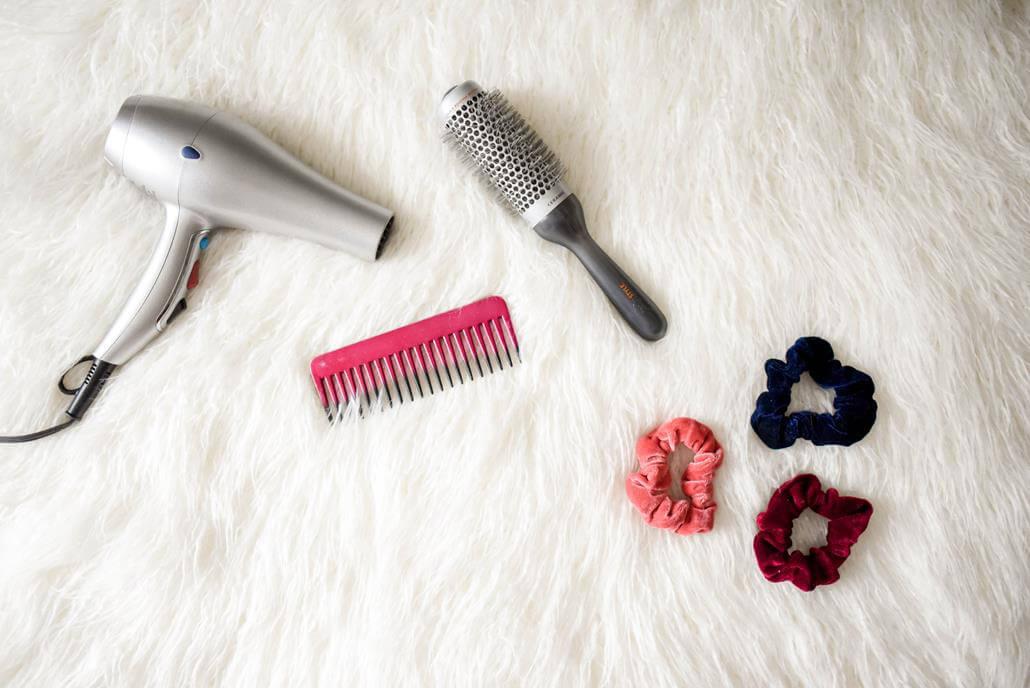 Haarbürste Föhn Kamm Haargummi