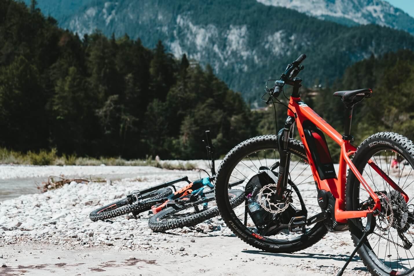 gute E-Bikes für unter 1000 Euro