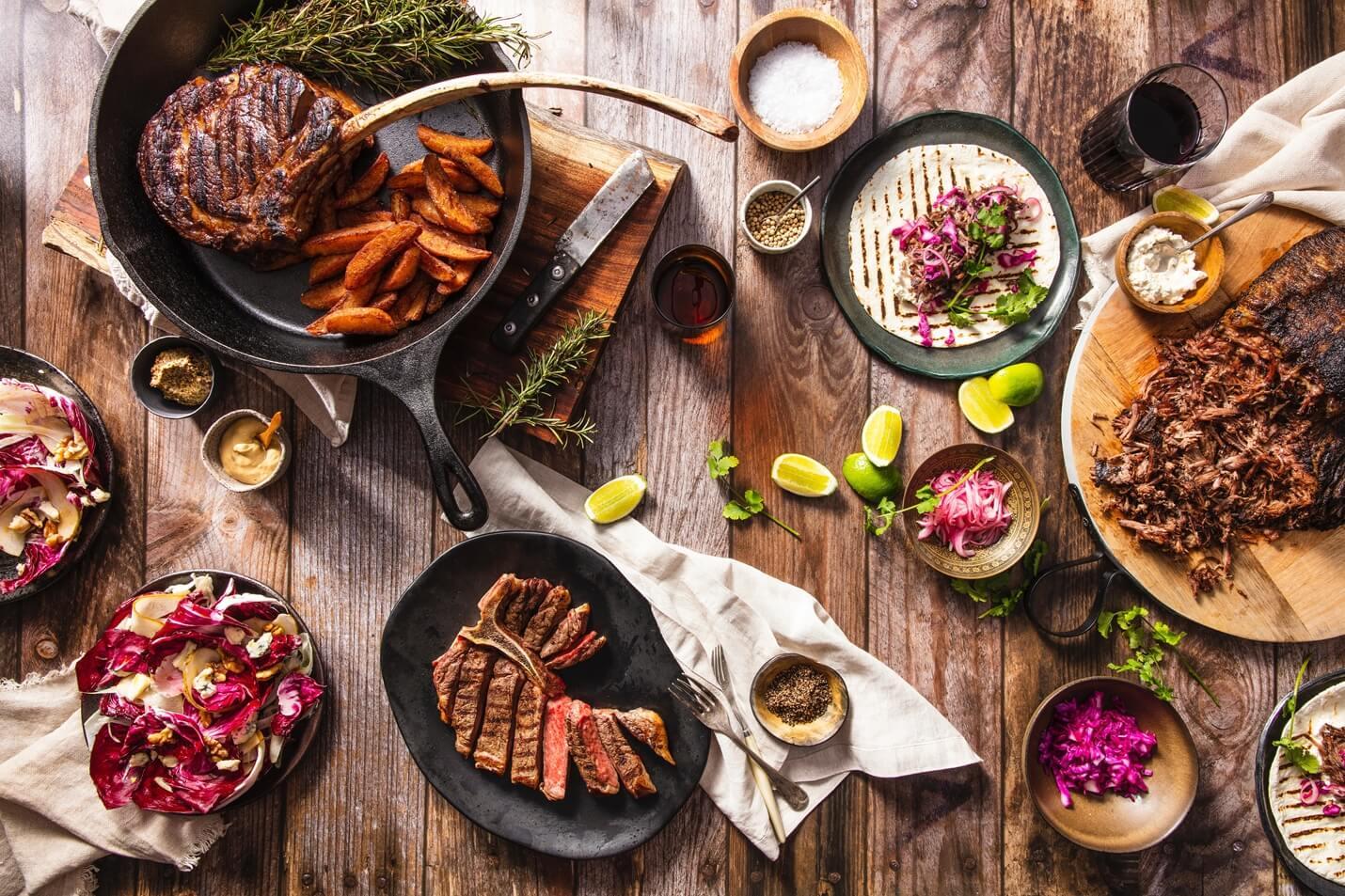 BBQ gedeckter Tisch